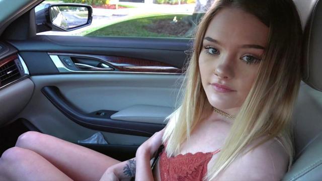 Очень красивая пациентка отдается похотливому медику и ловит самое настоящее удовольствие