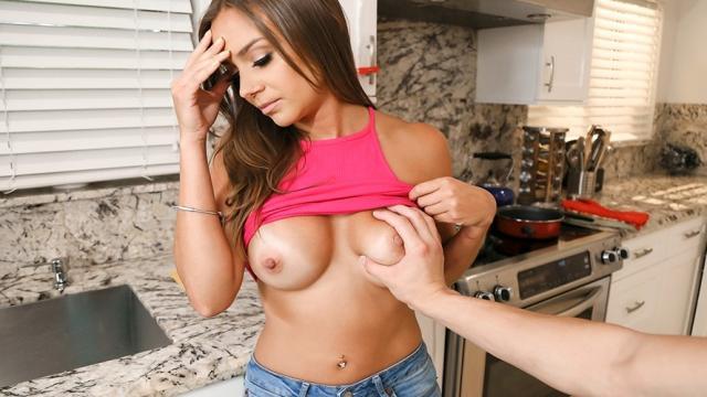 Черный учитель принудил к сексу школьницу 18 лет