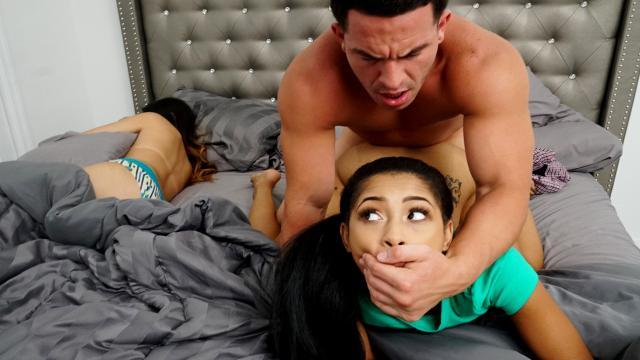 Милфа нашла любовника качка для секса когда муж в командировке